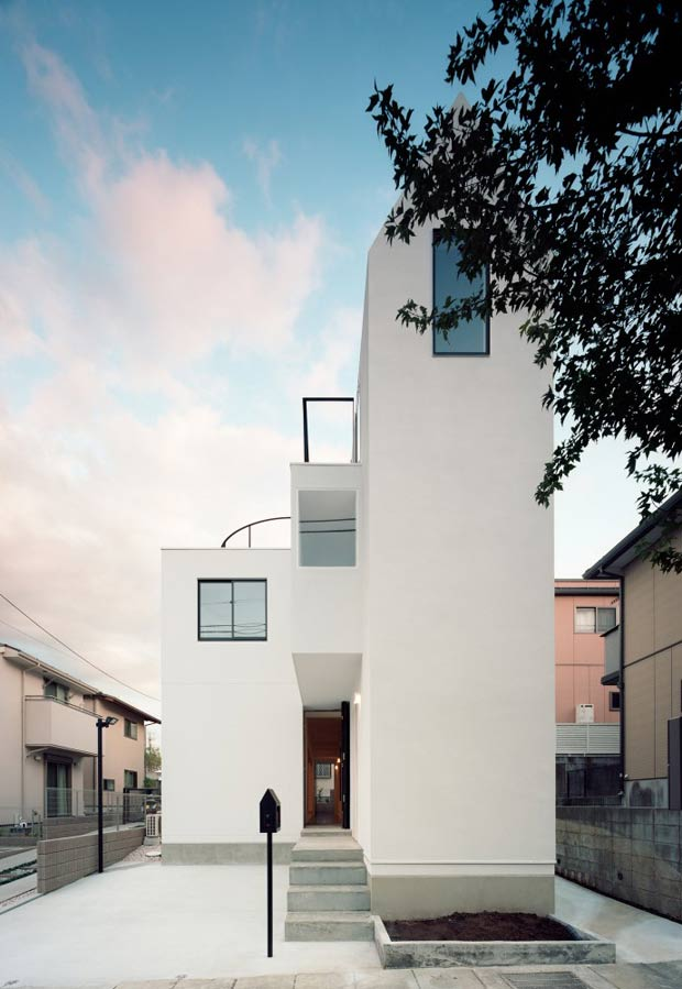Flat House in Tokyo