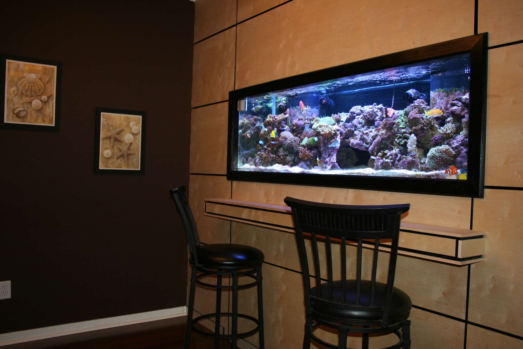 Like hanging a picture wall mounted aquariums fpsbutest - Bar built into wall ...